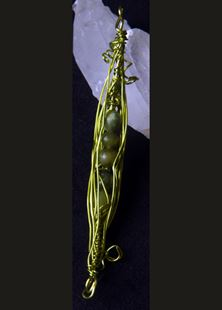 Picture of Jolly Green Peapod Pendant Jade #2