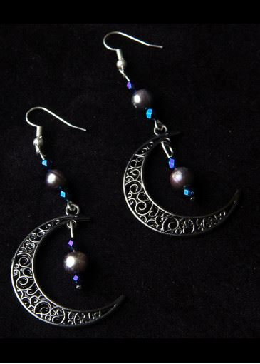 Picture of Goth Moon Black Pearl Earrings